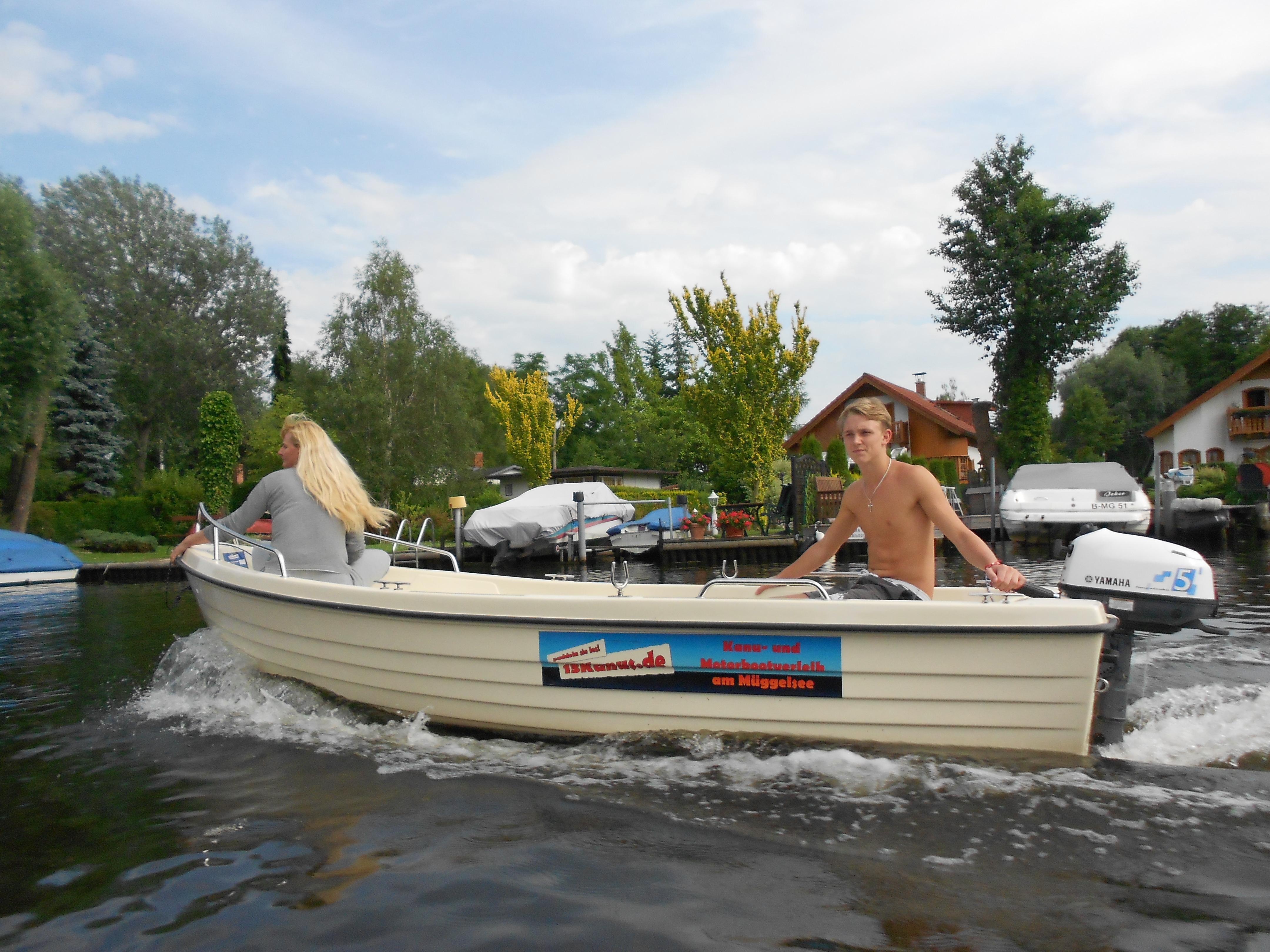 fluss boot fahren in deutschland